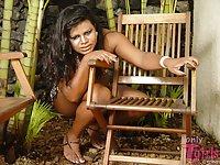 Amazon tranny Larissa Close