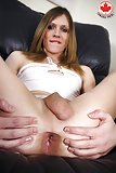 Solo slutty shemale shows her anal hole