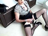 Mature tranny jerks off until cum on the floor
