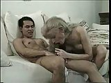 Vintage sex with a blond tranny in stockings