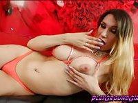 Cutie tranny babe Alessa Lopez loves her bikini