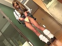 Teen ladyboy poses for a POV