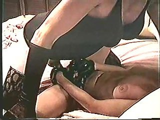 Amateur crossdresser eats a whore