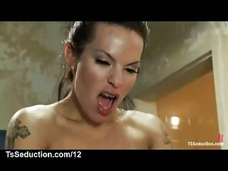 Dude drilled by tattooed Foxxy