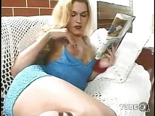 Sexual blonde loves sex