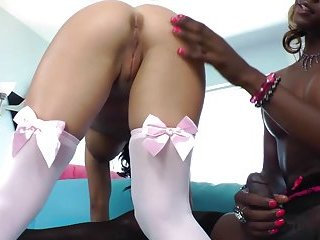 Ebony shemales dick sucked by horny slut for naughty fucking