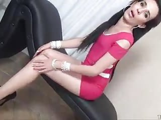 Slender tranny strip and jerking show