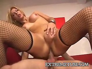 Blonde tranny gets her ass hole banged