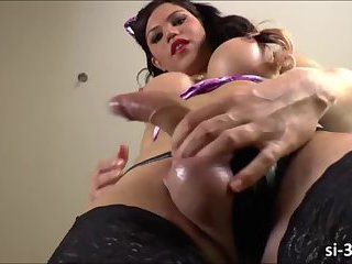 Stunning TS Danielly Colucci toys her ass and masturbates